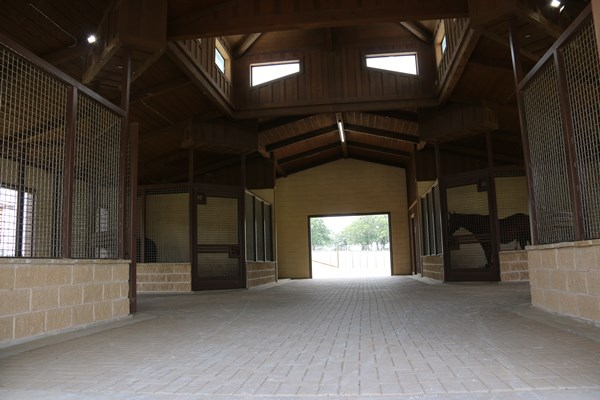 Weatherford Equine_Stallion Barn