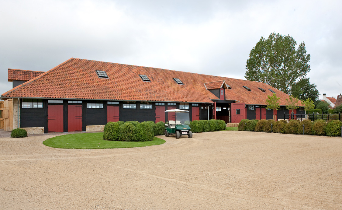 Knocke Arabians - Stables Outside